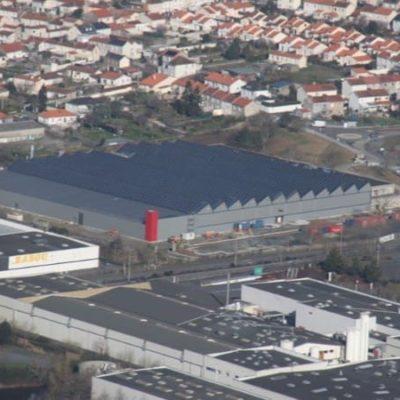 Centrale solaire photovoltaïque en toiture d'un comlexe multi-activités