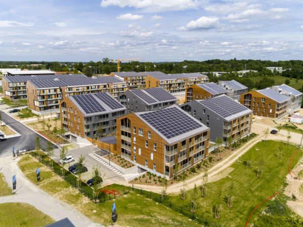 Toitures photovoltaïques de l'écoquartier La Fleuriaye à Carquefou (44)